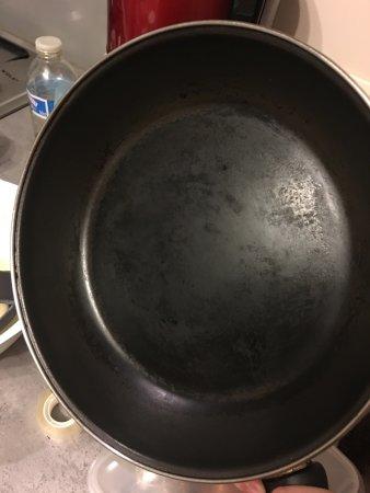 Camping Colomba : Penser à renouveler le matériel en cuisine. Poème hyper adhérente.