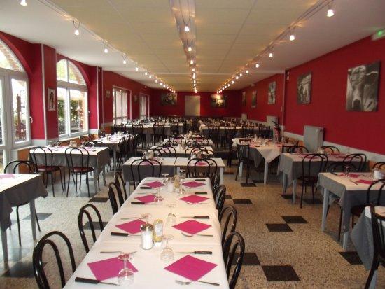 Restaurant La Tour D Auvergne Saint Christophe En Brionnais