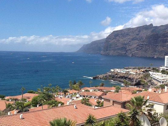 Los gigantes cliffs photo de las rosas apartments puerto de santiago tripadvisor - Puerto de los gigantes ...