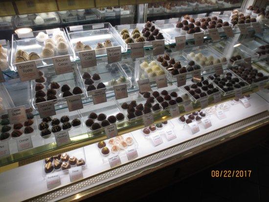 Blue Heron Cheese & Wine Company : truffles