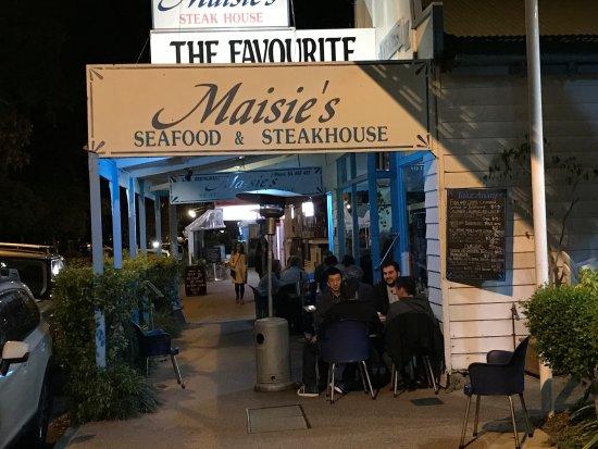 Maisie S Noosaville Restaurant