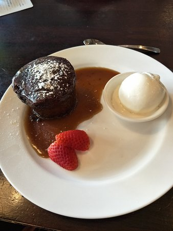 CY O'Connor Village Pub: We both loved the sticky date pudding!