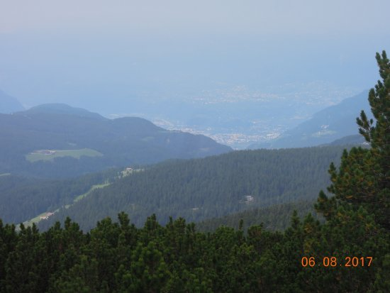 Soprabolzano, Italy: View to Bolzano
