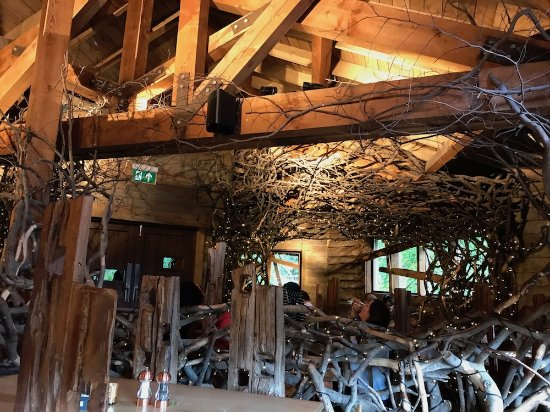 The Treehouse Restaurant at the Alnwick Garden: Inside the restaurant