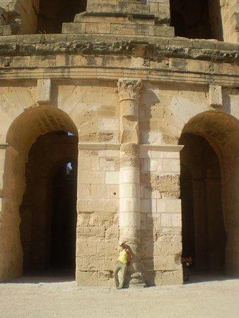 El Jem Amphitheatre: n1189241030_120776_5668_large.jpg