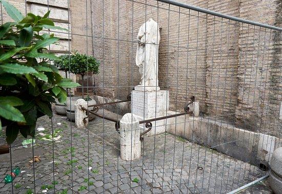 Statua dell'Abate Luigi