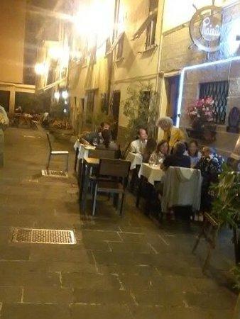 Ristorante Trattoria Raieu In Genova Con Cucina Cucina