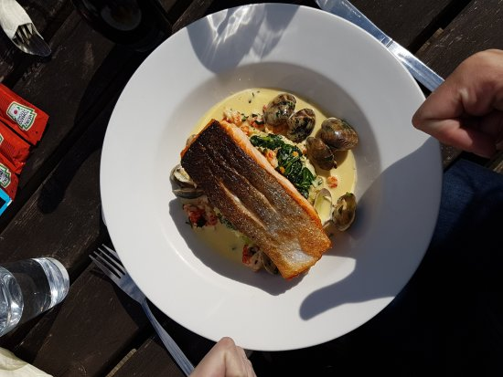 West Wittering, UK: Beautifully presented food