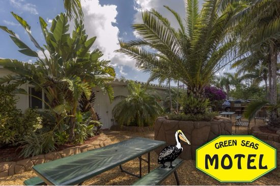Green Seas Motel