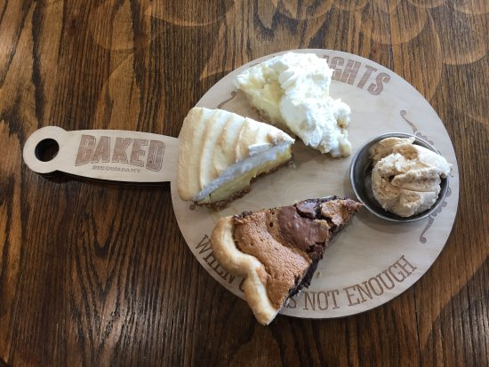 Arden, Carolina del Norte: This is what a 'pie flight' looks like.