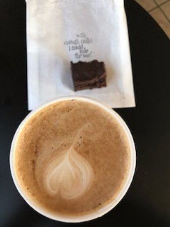 Seal Beach, CA: Latte with the surviving brownie pieces