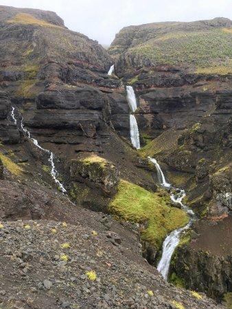 Varmahlid, Islandia: Waterfalls