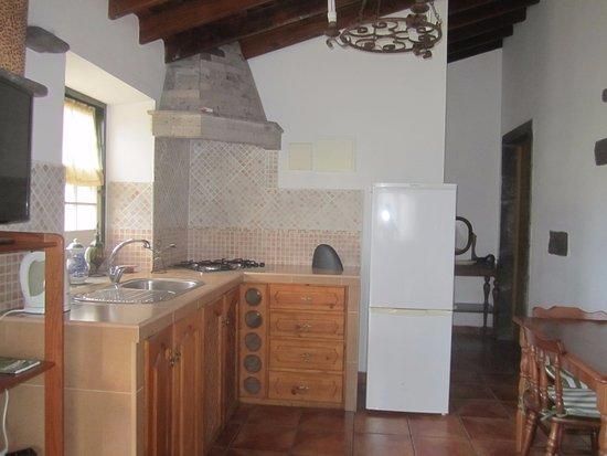 Sao Vicente Ferreira, Portugalia: Die Küche im Apartment