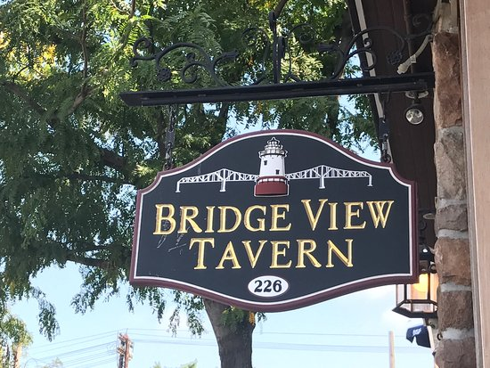 Bridge View Tavern: photo3.jpg