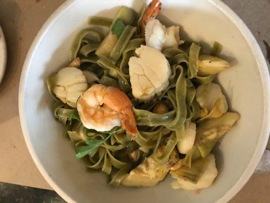 Hartsdale, NY: Green fettuccine with shrimp, scallops and artichokes