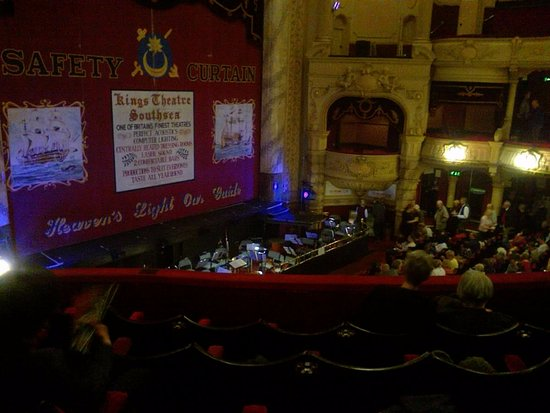 The Kings Theatre: Kings theatre with full orchestra