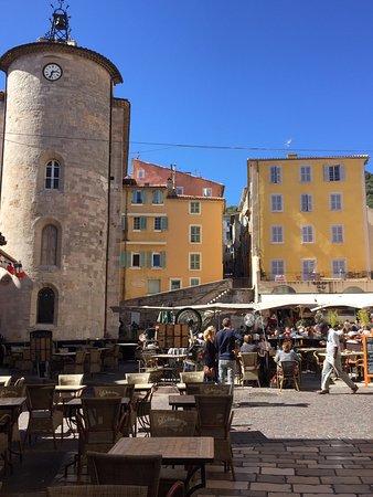 La Pastachuca : la vue Tour MASSILLON