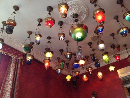 Kybele Hotel: Αυτό είναι το δωμάτιο μου με τα αμέτρητα φαναράκια!!!