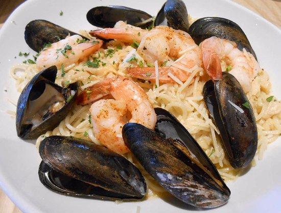 Glen Allen, VA: Seafood Trio