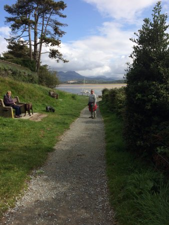 Borth-y-Gest, UK: a lovely walk with the dogs