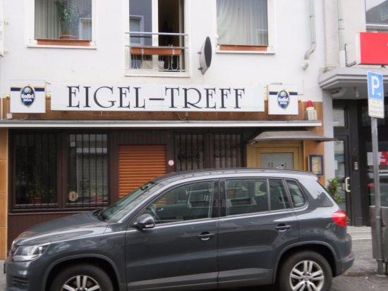Hotel Eigelstein: ホテルの入り口前です。