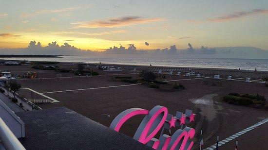Lux Hotel : Sonnenaufgang