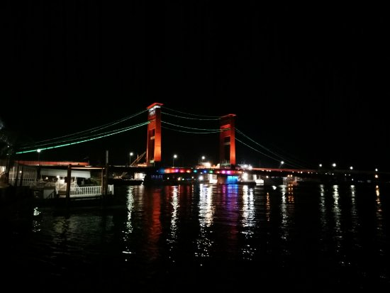 Jembatan Ampera: IMG_20170917_200758_large.jpg