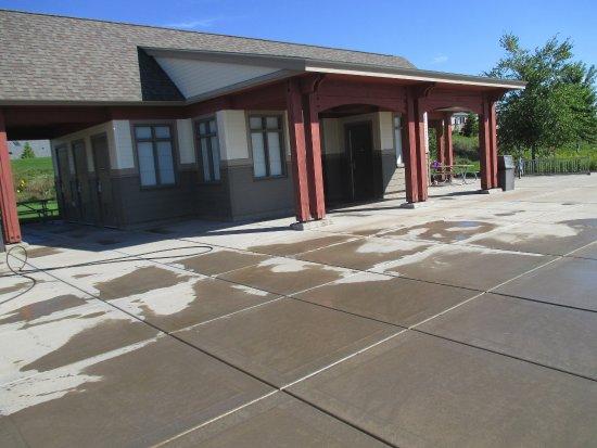 Blaine, MN: Pavilion