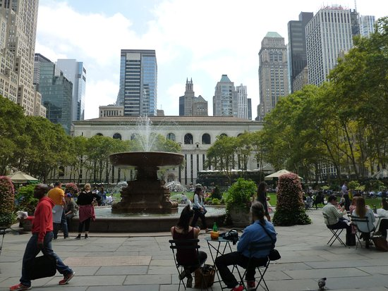 Bryant Park : open space surrounded by buildings