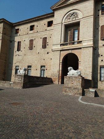Soragna, Italia: L'entrata della Rocca