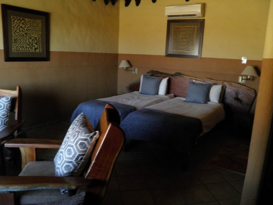 Omaruru, Namibia: Chambre vaste et confortable