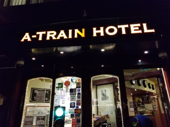 20170909 060621 picture of a train hotel for Train hotel amsterdam