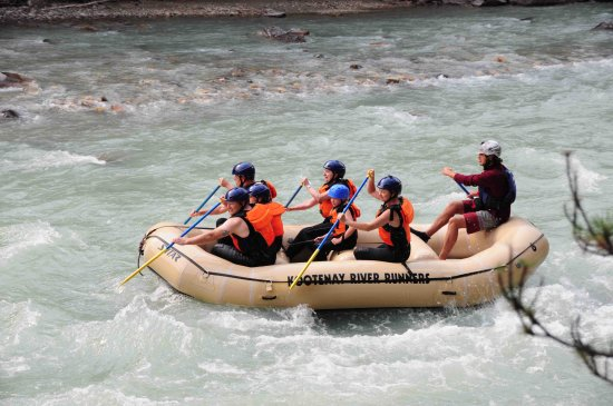 Panorama, Canada: rafting on Toby Creek