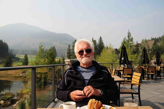 Panorama, Canadá: breakfast at GreyWolf