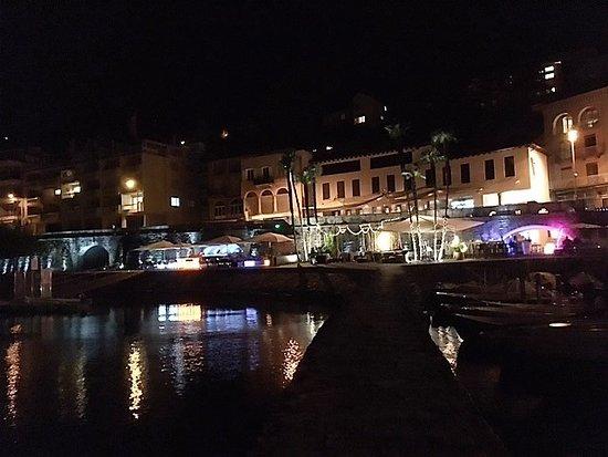 Locarno Youth Hostel: Ascona auch abends aussergewähnlich schön!