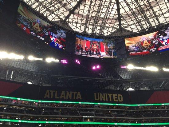 Picture of mercedes benz stadium atlanta for Mercedes benz stadium will call location