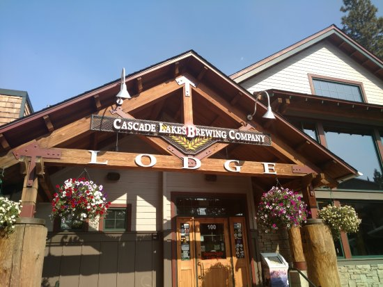 cascade lakes brewing co the lodge bend restaurant. Black Bedroom Furniture Sets. Home Design Ideas