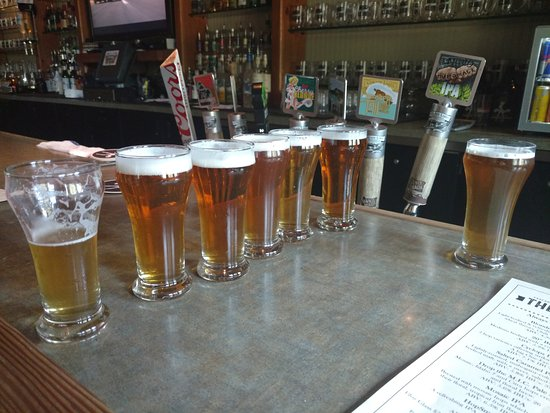 Cascade Lakes Brewing - The Lodge: Our Beer Flight