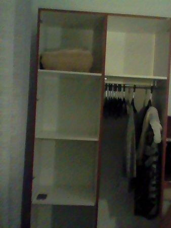 picture of hotel le bretagne saint nazaire tripadvisor. Black Bedroom Furniture Sets. Home Design Ideas
