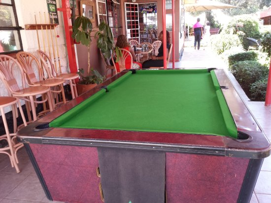 Ridgeview gardens nairobi region restaurant bewertungen for Pool garden restaurant nairobi