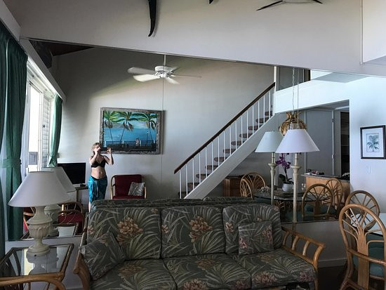 Napili Sunset Beachfront Resort: Inside 212