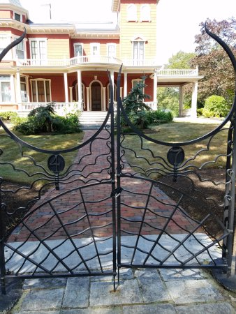 house front gate images
