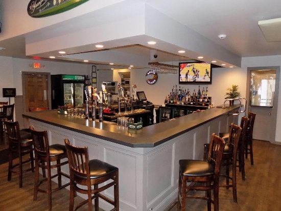 Uniontown, PA: Newly remodeled bar area.