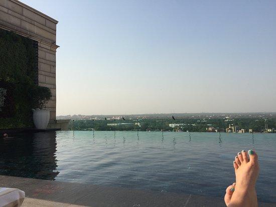 The Leela Palace New Delhi: Rooftop pool.