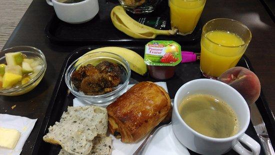 Quality Suites Nantes Beaujoire : Exemple de petit-déjeuner