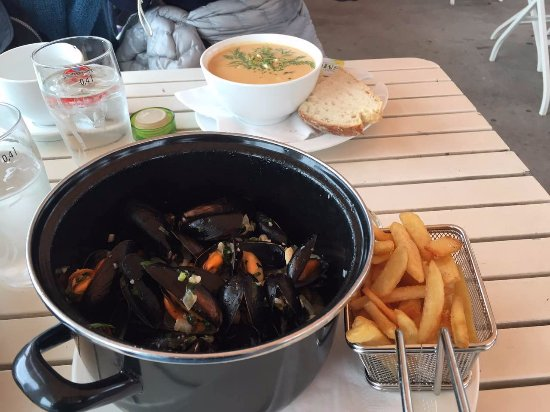 Lanternen Restaurant: Mussels and fry