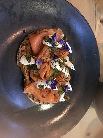 Le Magasin: Smoked salmon with capers.