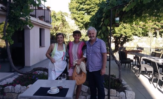 Cipieres, France: Robert & Ghislaine of La Vieille Vagne & Nathalie from CCCR