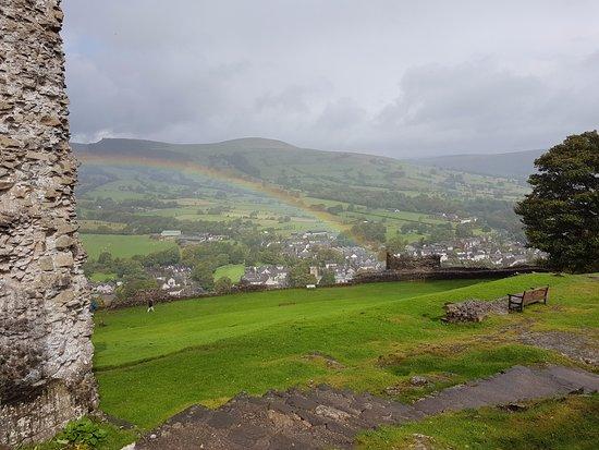 Castleton, UK: Higher than the rainbow!