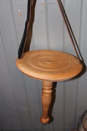 มอนโร, วิสคอนซิน: Swiss milking stools.